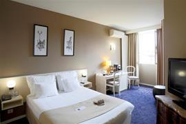 93281_002_Guestroom