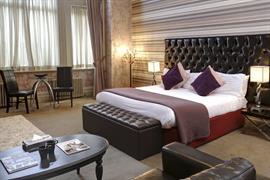 grand-hotel-bedrooms-01-83895