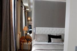 93032_006_Guestroom