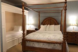 02012_019_Guestroom