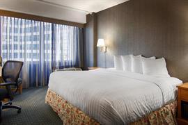 14120_001_Guestroom