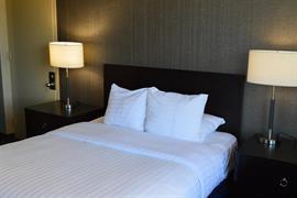 14120_004_Guestroom