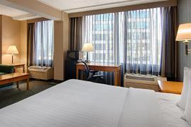 14120_006_Guestroom