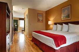 19081_006_Guestroom
