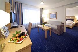95204_001_Guestroom