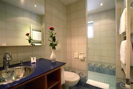 95204_002_Guestroom