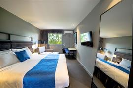 97450_001_Guestroom