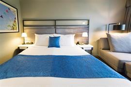 97450_005_Guestroom