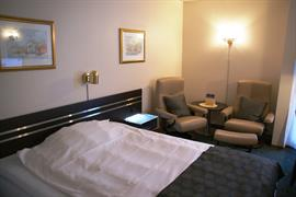 73085_005_Guestroom