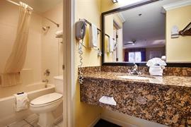 05560_006_Guestroom