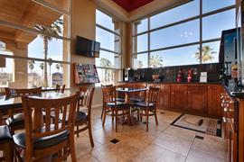 05560_007_Restaurant