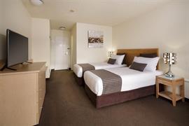 97434_005_Guestroom