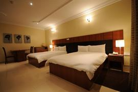 75403_002_Guestroom