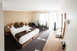 90919_000_Guestroom