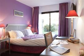 93462_002_Guestroom