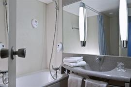 95424_006_Guestroom