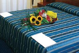98271_006_Guestroom