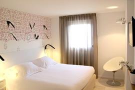 93701_000_Guestroom