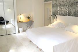 93701_001_Guestroom