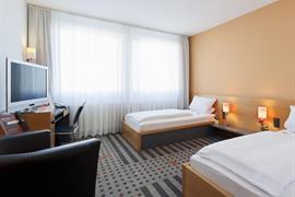 95482_005_Guestroom