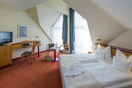 95123_005_Guestroom