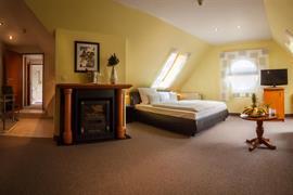 95364_003_Guestroom