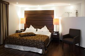 95485_002_Guestroom