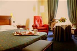 98250_002_Guestroom