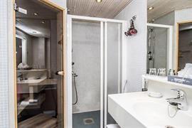 91081_002_Guestroom