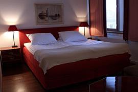 91081_003_Guestroom