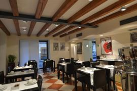 98359_002_Restaurant