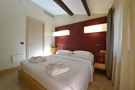 98359_007_Guestroom