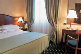 98179_005_Guestroom