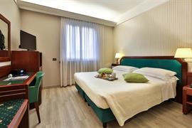 98204_000_Guestroom