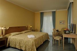 94213_003_Guestroom