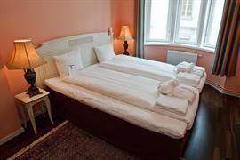 88187_006_Guestroom