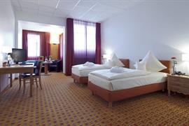 95181_005_Guestroom