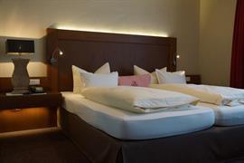 95506_004_Guestroom
