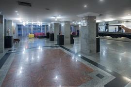 77060_003_Lobby