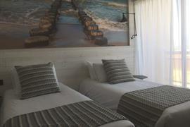 93852_001_Guestroom