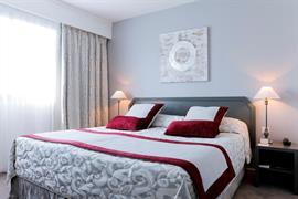 93451_002_Guestroom