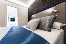 93451_004_Guestroom