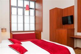 93582_002_Guestroom