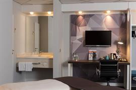 95502_007_Guestroom