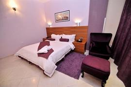 93782_005_Guestroom