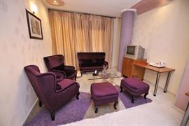 93782_006_Guestroom