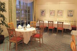 95374_007_Restaurant