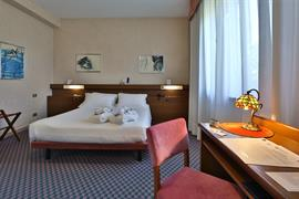 98130_005_Guestroom