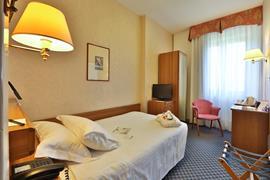 98130_006_Guestroom