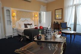 93007_000_Guestroom